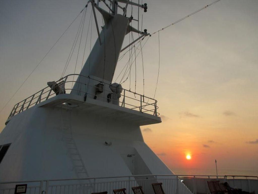 Sunrise di Kapal Pesiar yang Bikin Rindu