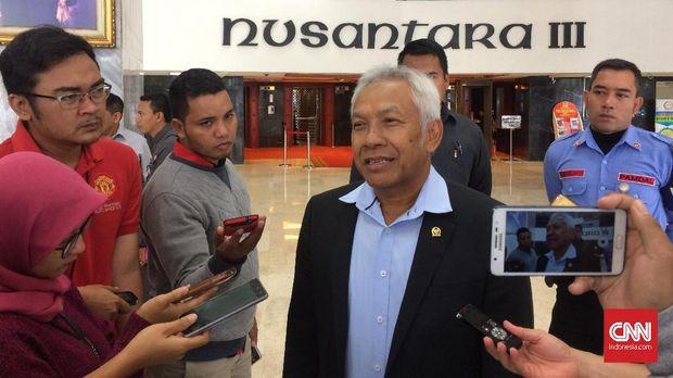 Wakil Ketua DPR Agus Hermanto, di gedung DPR, Jakarta, 8 Januari. Dia membantah soal pembahasan RUU Penyiaran yang tak sesuai prosedur.