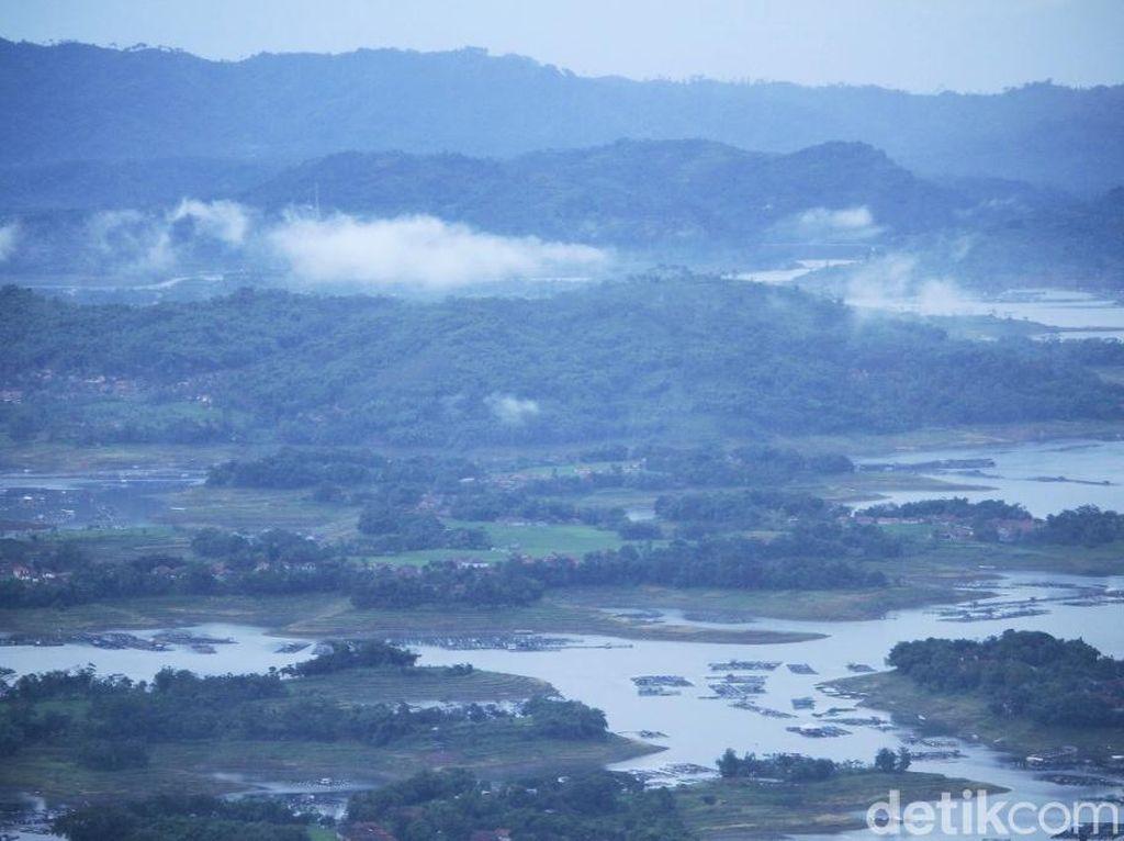 Sungai Citarum Masih Tercemar Limbah Tekstil dan Kertas
