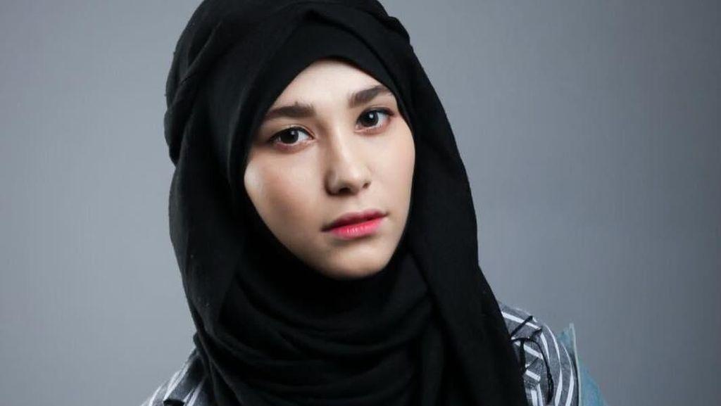 Foto: Gaya Hijab Populer Kim Miso, Si Cantik dari Korea Selatan