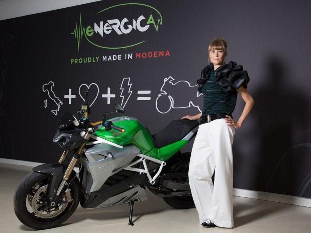 Mengenal CEO Cantik Perusahaan Motor Listrik Italia
