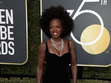 Menang membawa piala tahun lalu, tahun ini Viola Davis juga didapuk menjadi salah satu pembawa acara di ajang Oscar 2018. Foto: Frederick M. Brown/Getty Images