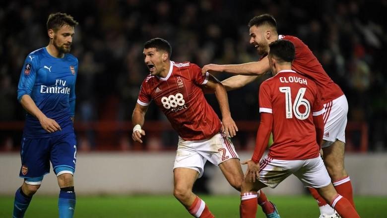 Arsenal Langsung Terdepak Usai Kalah 2-4 dari Nottingham Forest