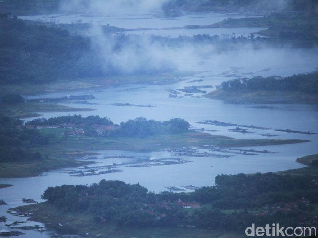 Potret Sungai Citarum dari Ketinggian