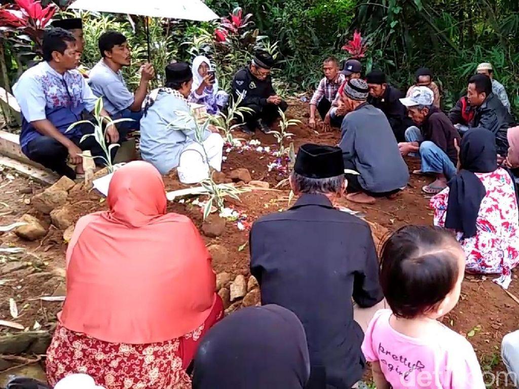 Cerita Pilu Istri Saat Suami Jemput Anaknya untuk Dibunuh