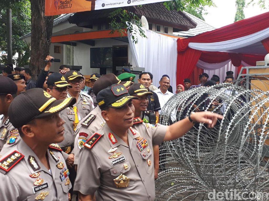 Kapolda Jatim Tinjau Persiapan Pilkada di KPU Jawa Timur