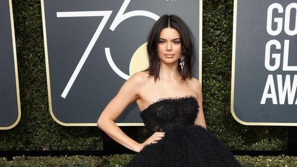 Foto: Tampil Perdana di Golden Globes, Kendall Jenner Cantik bak Bidadari