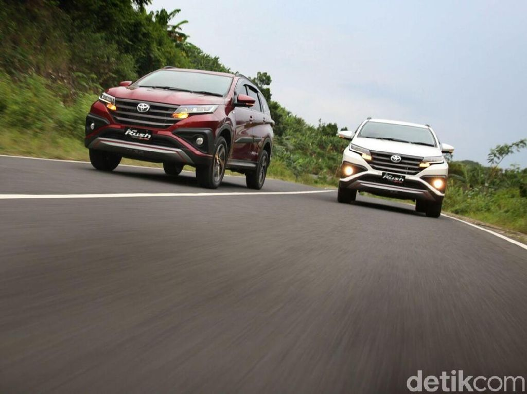 Punya Budget Rp 200 Jutaan Buat Beli SUV? Nih Pilihannya!