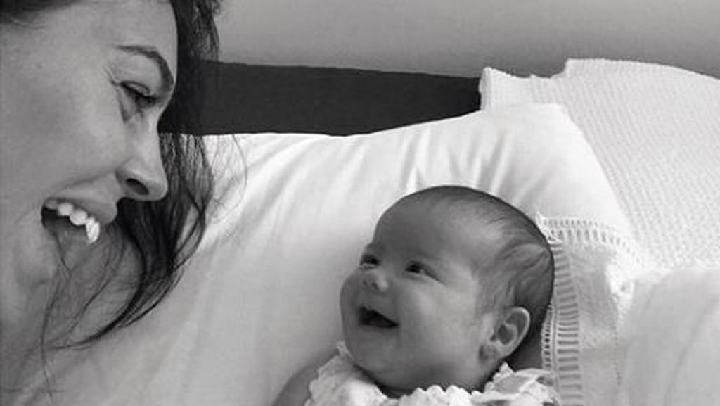 Gemasnya Alana Martina, Putri Cristiano Ronaldo yang Selalu Tersenyum