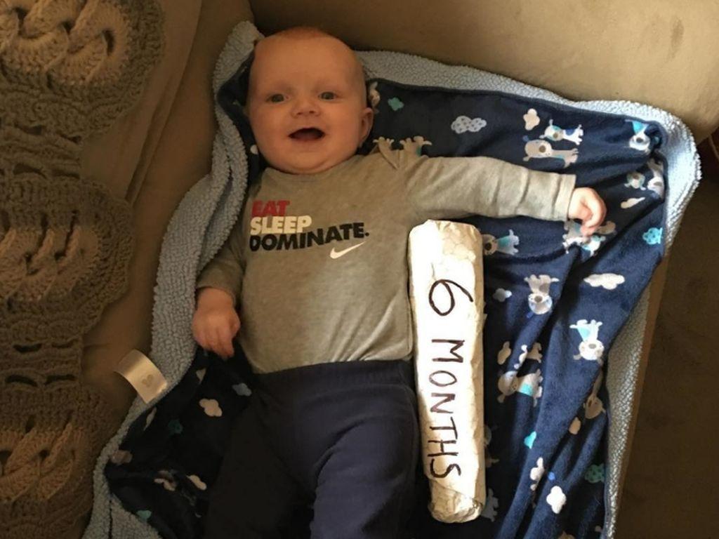 Foto: Saat Ukuran Tubuh Bayi Dibandingkan dengan Cheesesteak