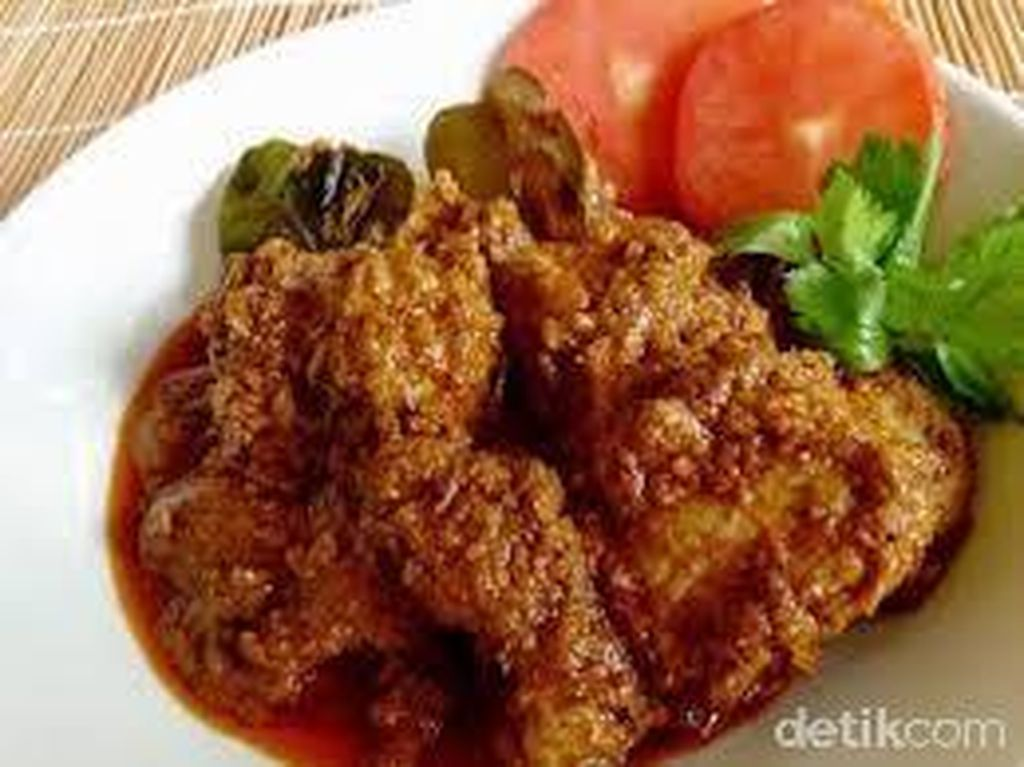 Semerbak Aromatik Saksang Ayam dengan Bumbu Andaliman yang Menggigit