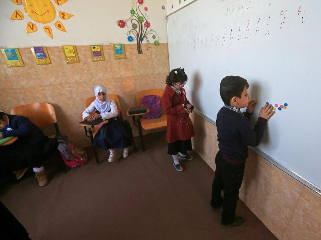 Ruang Kelas Tak Lazim di Irak