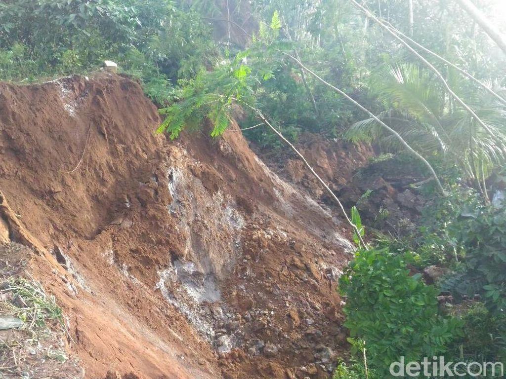 Ngeri! Ada Tanah Bergerak Melorot di Banjarnegara