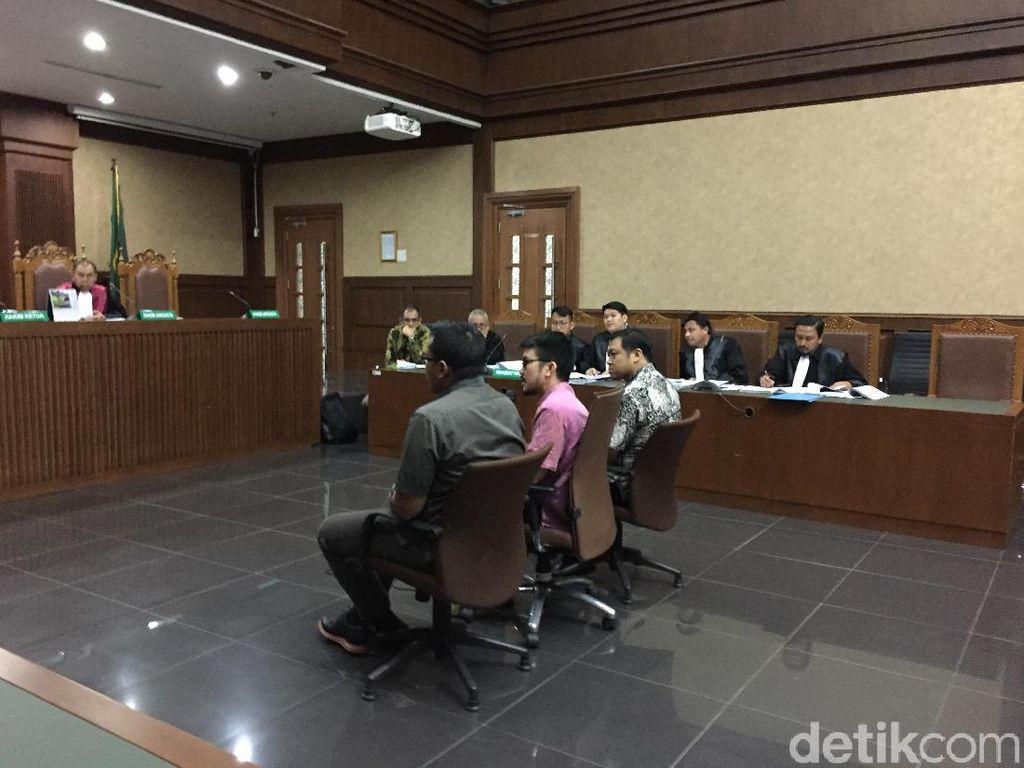 Di Sidang, Anak Buah Fahmi Akui Transfer Hampir USD 1 Juta ke Fayakhun