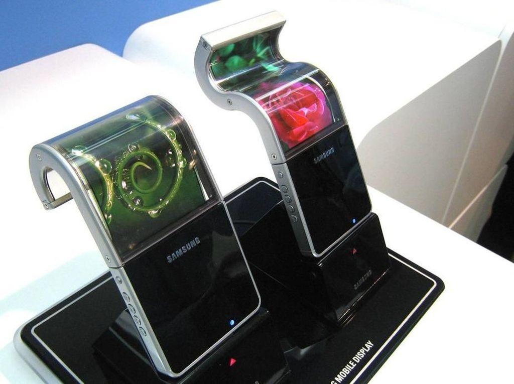 Peluncuran Ponsel Layar Lipat Samsung Diundur