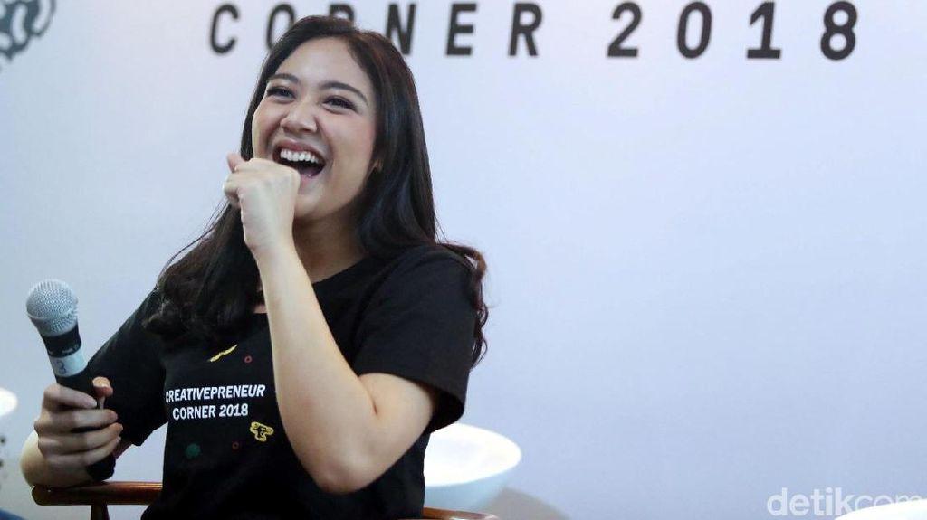 Putri Tanjung Jelaskan Creativepreneur Corner 2018