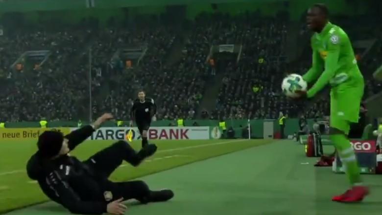 Diving di Pinggir Lapangan, Pelatih Leverkusen Didenda