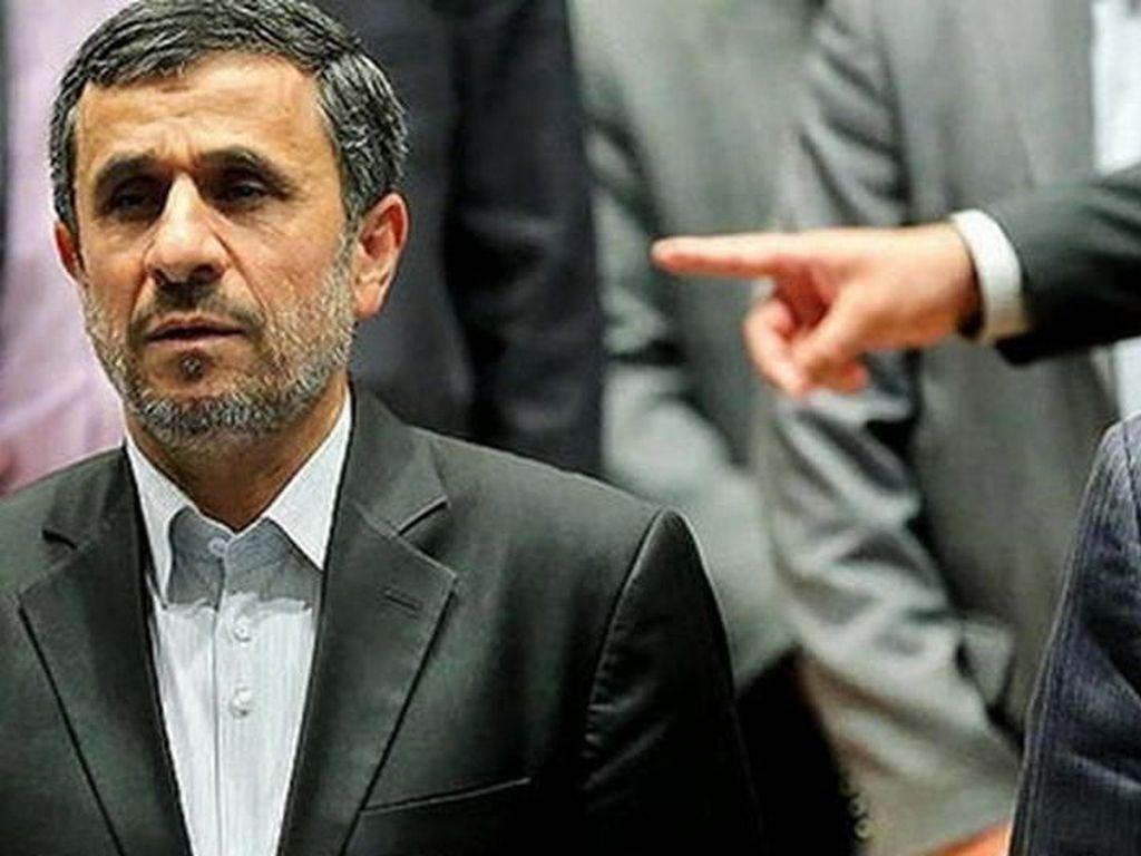 Pengacara: Penangkapan Ahmadinejad Kabar Bohong