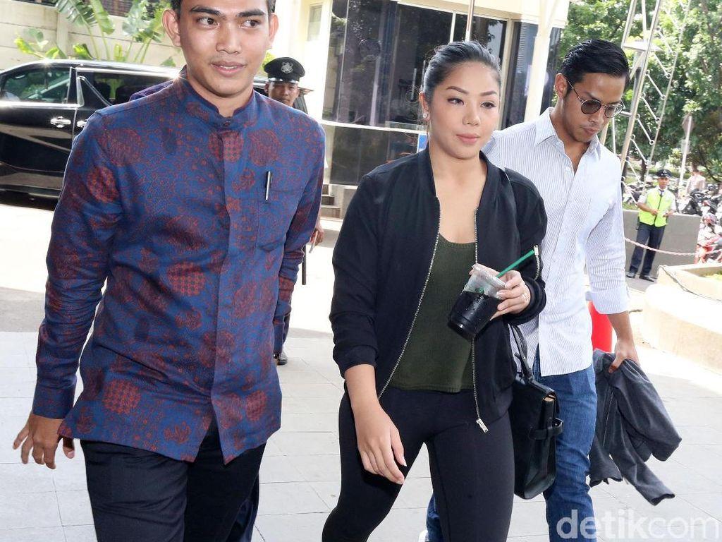 2 Anak Novanto Bungkam Usai Diperiksa KPK