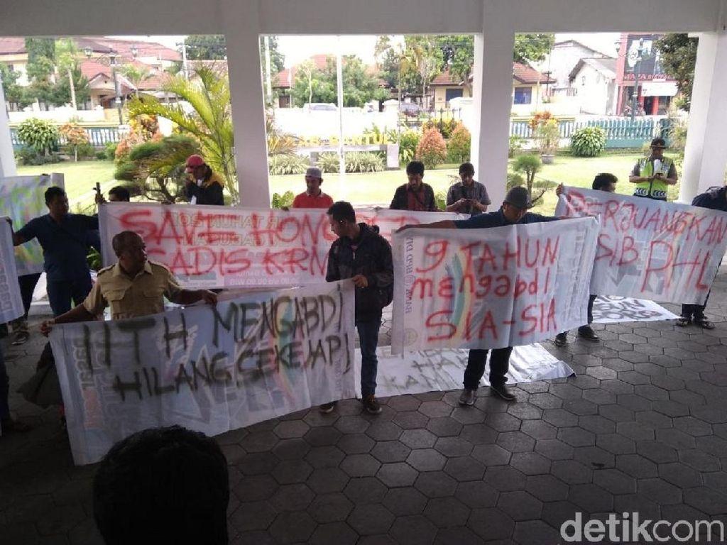 Diputus Kontrak, Pekerja Harian Lepas Pemkab Bantul Mengadu ke Dewan