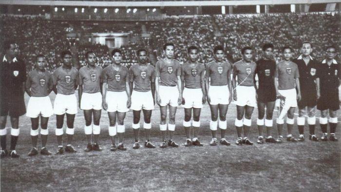 Menjelang laga Timnas Indonesia dengan Vietnam di Asian Games IV di Stadion Utama Gelora Bung KArno (SUGBK) pada 24 Agustus 1962.(dok ANRI)