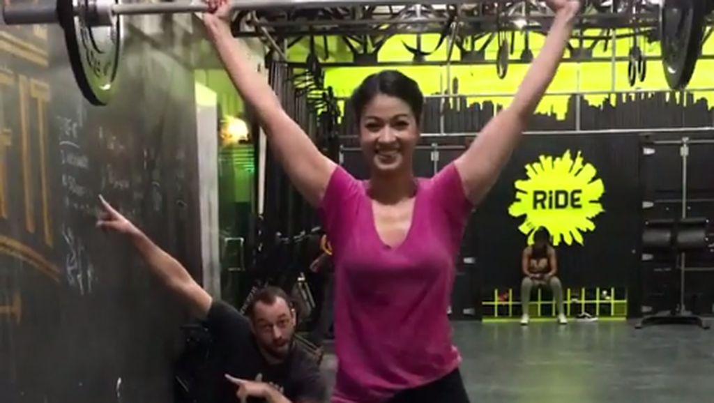 Intip Olahraga Gahar Karenina Sunny, Sosialita Cantik yang Pernah Ikut Miss World