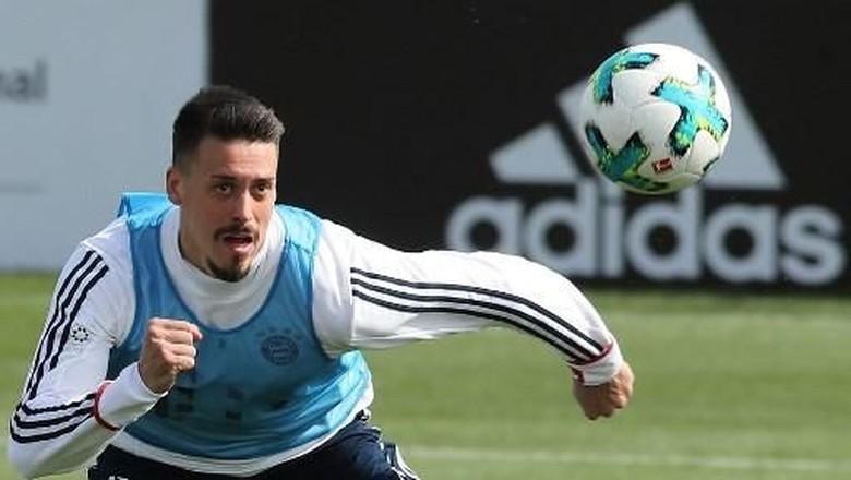 Lewandowski Absen, Sandro Wagner Bisa Langsung Debut