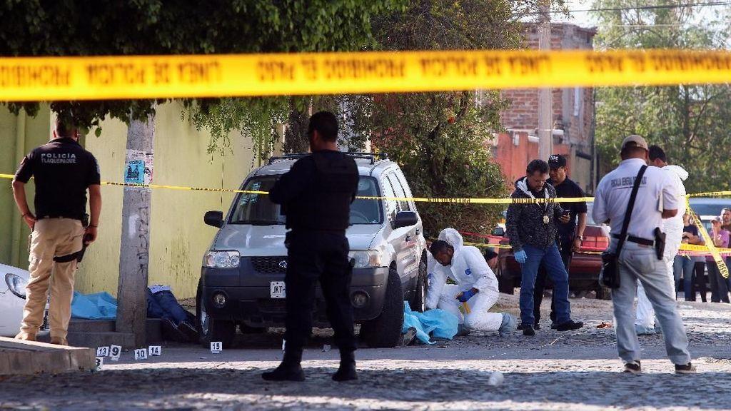 Sadis! Seorang Pria Tembak 3 Pengguna Jalan di Meksiko