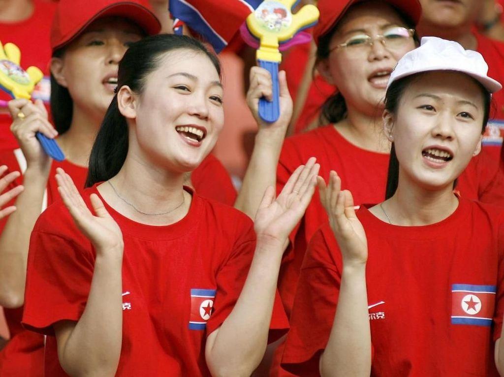 Sudah Tahu Cheerleaders Korea Utara Secantik Ini?