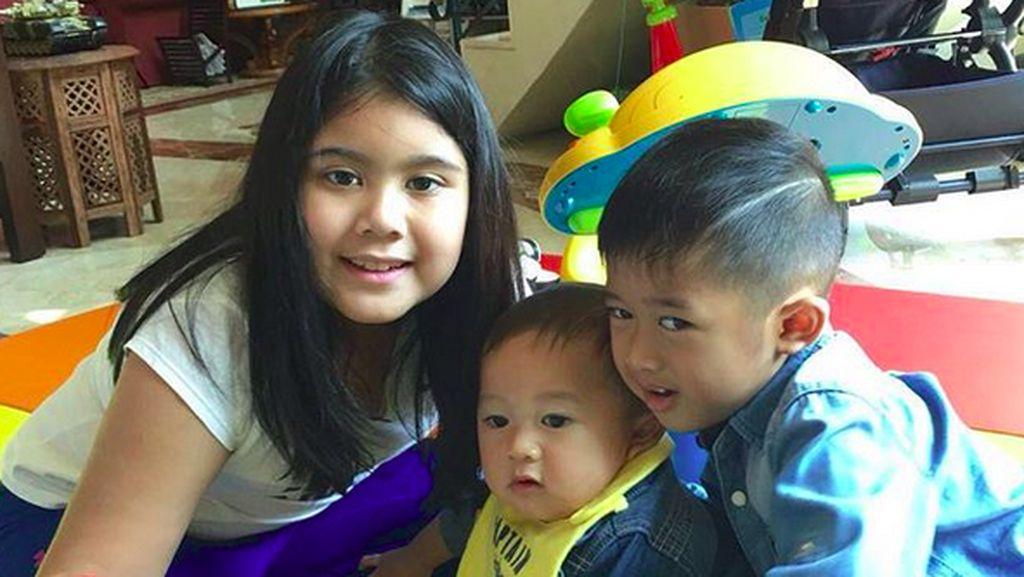Keseruan Aira Yudhoyono Saat Main Bareng Sepupu-sepupunya