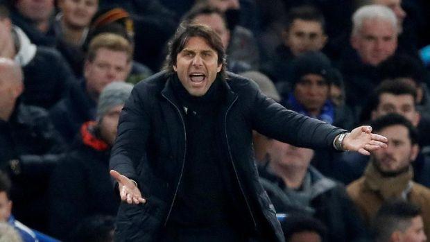 Antonio Conte gencar diberitakan hengkang dari Chelsea setelah musim 2017/2018.