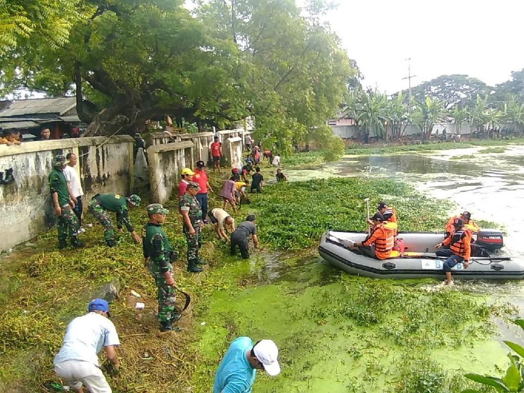 Cegah Banjir, Danau Peninggalan Sunan Giri Dibersihkan