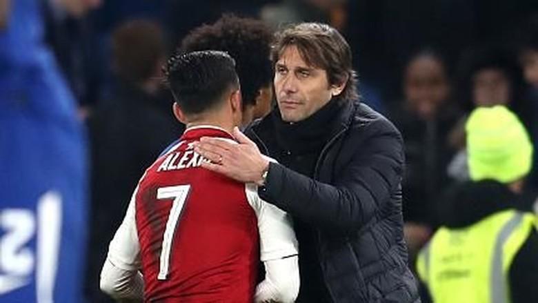Conte Cuma Bilang Halo ke Sanchez, Tak Bahas Transfer
