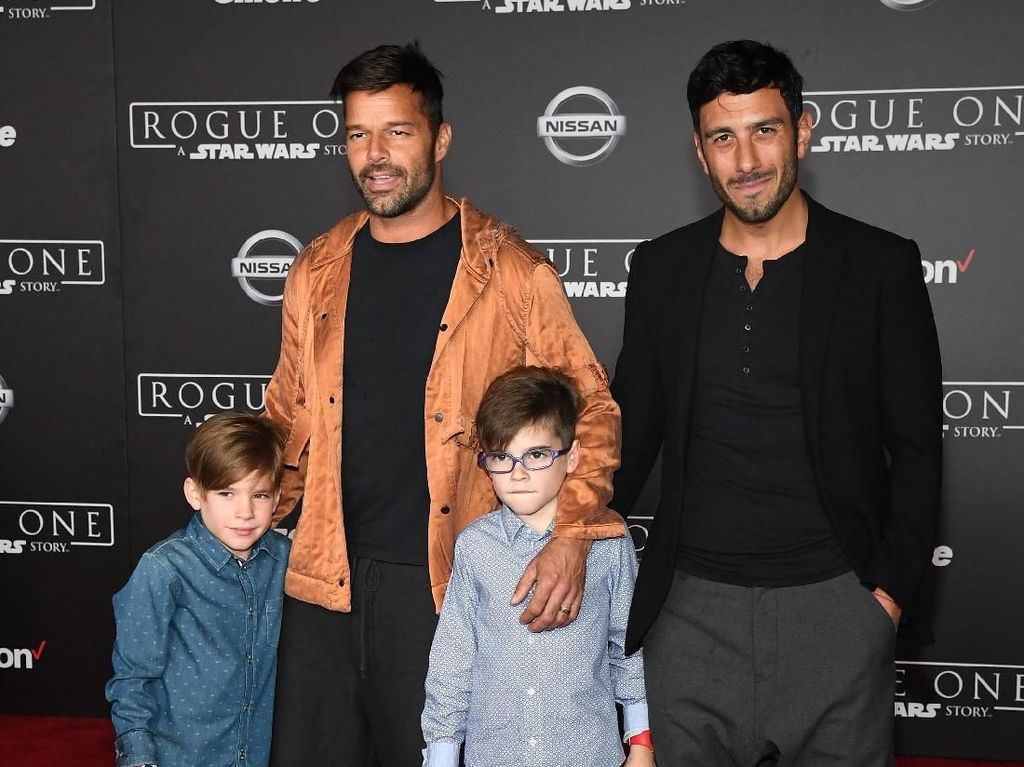 Ricky Martin dan Kekasih Prianya Sambut Kelahiran Anak ke-4
