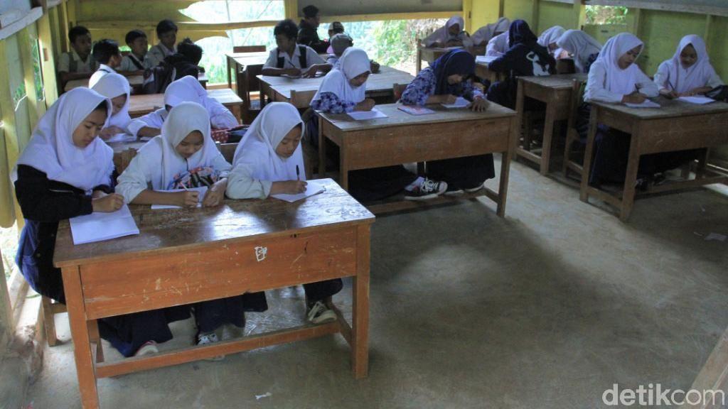 Duh, Masih Ada Kondisi Sekolah di Bandung yang Seperti Ini
