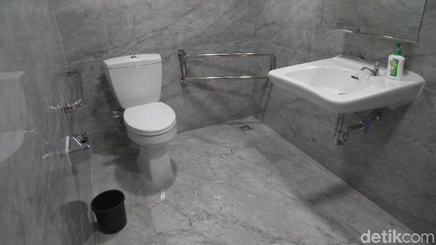 Toilet Canggih untuk Dicoba Presiden Jokowi di GBK