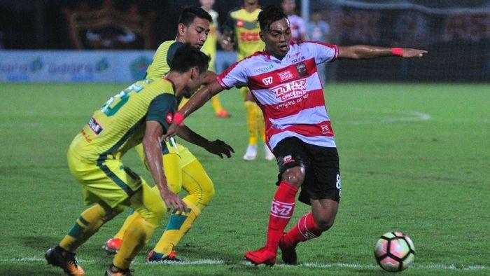 Alfath Fathier saat masih memperkuat Madura United (Saiful Bahri/Antara Foto)