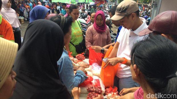 Jual Beras Rp 8.800/Kg, Pasar Murah Kementan Diserbu Warga
