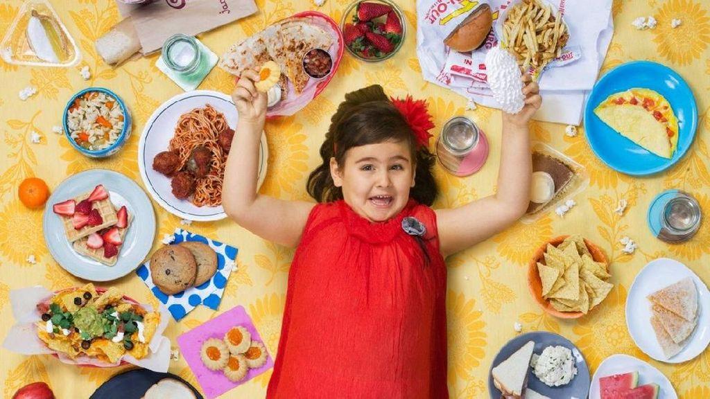 Foto Keren Ini Dokumentasi Makanan si Kecil Selama Seminggu, Lho