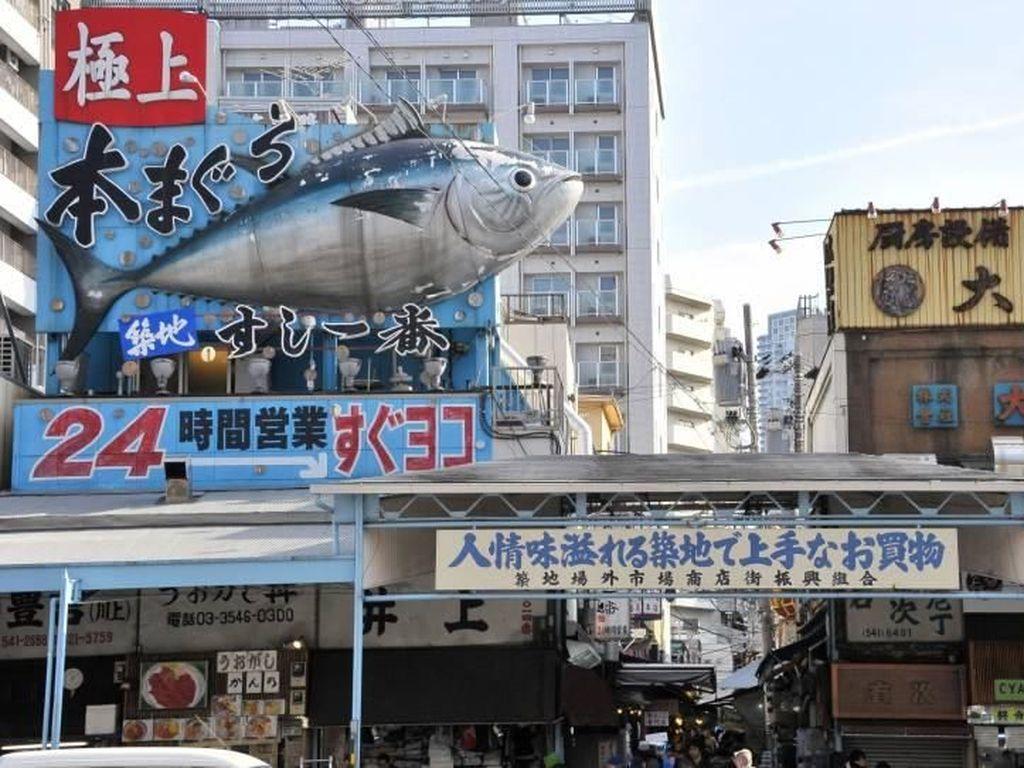 Foto: Pasar Ikan Tsukiji yang Ingin Ditiru Sandiaga