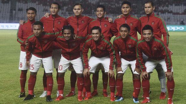 Sepak bola Indonesia punya sejarah panjang, bahkan sebelum kemerdekaan Indonesia.