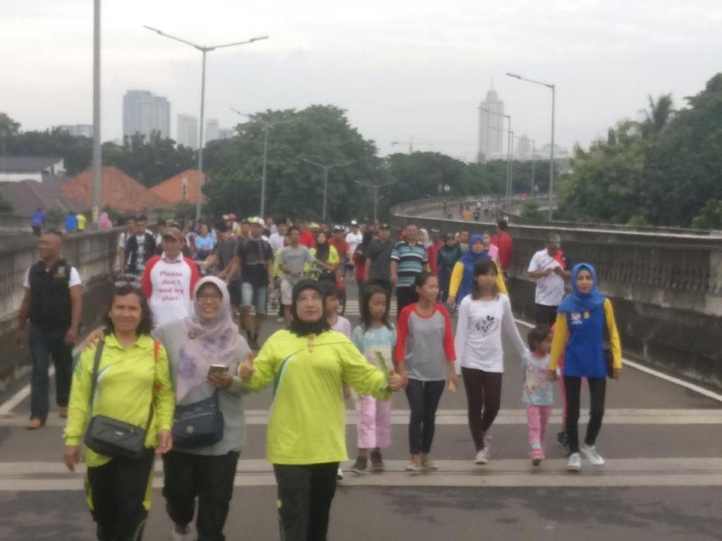 Minggu Pagi, Jalan Layang Non Tol Antasari Jadi Tempat Olahraga