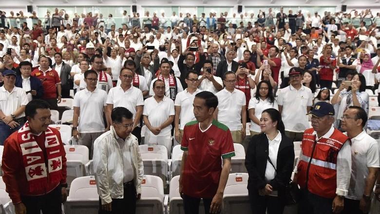 Kenakan Jersey Timnas, Jokowi Resmikan SUGBK