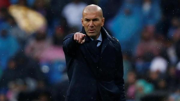 Zidane Akui Barca Lebih Baik Musim ini