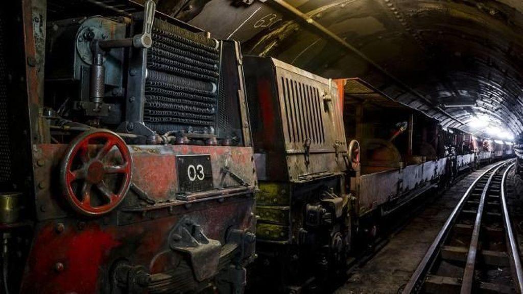 Foto: Penampakan Jalur Kereta Bawah Tanah Terbengkalai di London