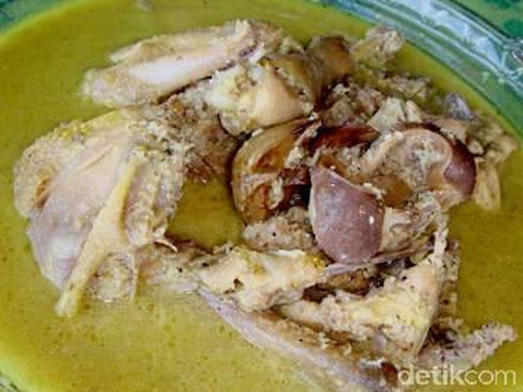 Gurih Kental Palubasa Ayam yang Istimewa dari Makassar