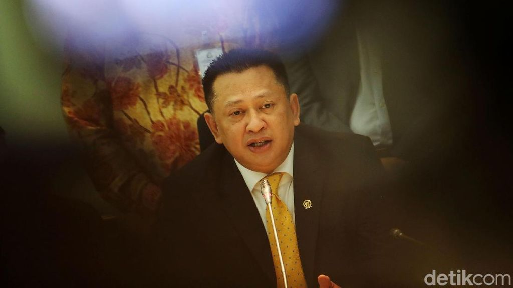 Bamsoet Ketua DPR: dari Dasi Kuning hingga Salah Ucap Sumpah