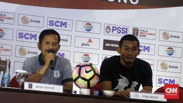 Posisi Djadjang Nurdjaman di kursi pelatih kepala belum tergoyahkan.