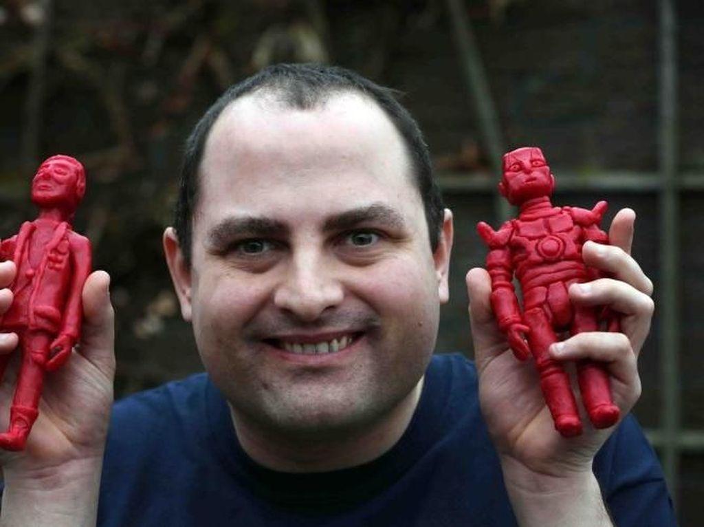 Pria Ini Bikin Patung Karakter Disney dan Star Wars dari Lilin Pembungkus Babybel Cheese
