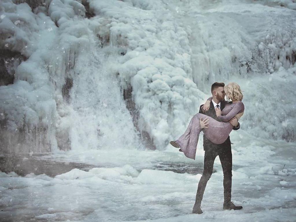 Indah Tapi Ekstrem, Foto Pasangan yang Prewedding di Suhu Beku Ini Viral